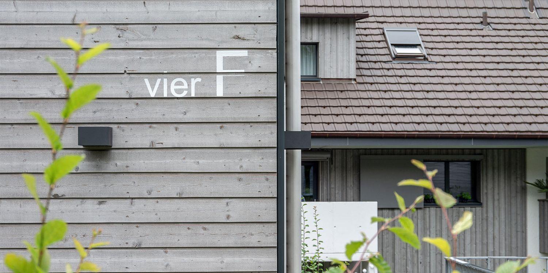 6 Einfamilienhäuser
