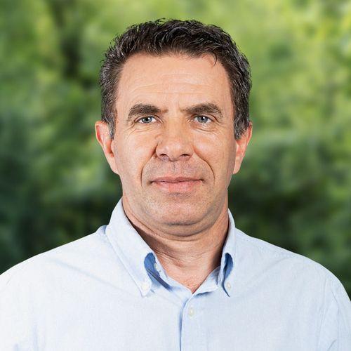 Dr. med. univ. (YUG) Adem Bajrami