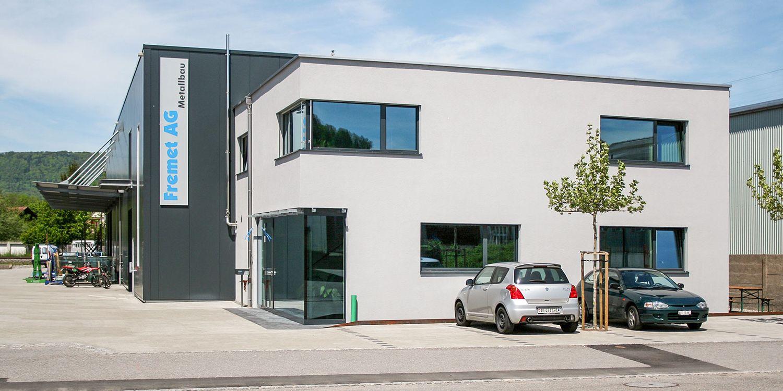 Industriegebäude mit Büro